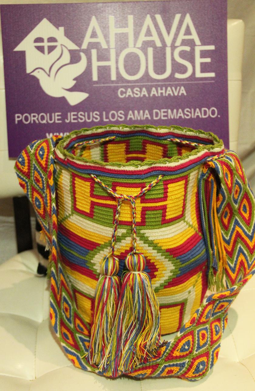 Wayuu Mochila Rancheria Ipamana, Joutay (Wayuunaiki for Breeze)